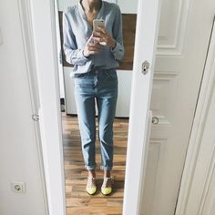 Jeans Style, Outfit Of The Day, Mom Jeans, Shots, Topshop, Bright, Street Style, Skinny, Stylish