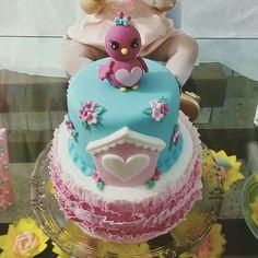 Ruffle cake - little bird