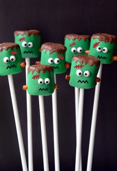 Serve up a spooky Halloween sweet with a recipe for chocolate-dipped Frankenstein marshmallow pops.