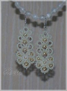This Pin was discovered by Nan Tatting Earrings, Tatting Jewelry, Lace Jewelry, Diy Jewelry, Crochet Earrings, Handmade Jewelry, Motif Mandala Crochet, Crochet Doilies, Tatting Patterns Free
