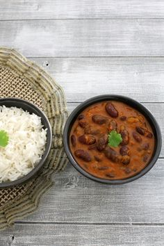 Punjabi Rajma Masala Recipe or Red kidney beans curry recipe served with rice. A healthy, comforting dish with step by step photos. Indian Beans Recipe, Vegan Indian Recipes, Lentil Recipes, Bean Recipes, Curry Recipes, Vegetarian Recipes, Cooking Recipes, Kidney Bean Curry, Beans Curry
