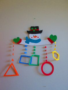 A Board Decoration, Class Decoration, School Decorations, Preschool Learning Activities, Preschool Themes, Preschool Activities, New Year's Crafts, Crafts For Kids, Paper Crafts
