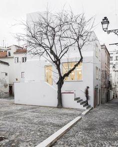 (Casa da Severa by Jose Adrieo Arquitectos | Yellowtrace)
