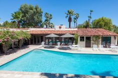 in Palm Springs, US. This landmark 1934 Hacienda is located in the Old Movie Colony. Once owned by Bing Crosby, this Palm Springs villa is a unique and charming rental for vacations, reunions, or a romantic getaway.  The pool area includes seating for 30, your own pri...
