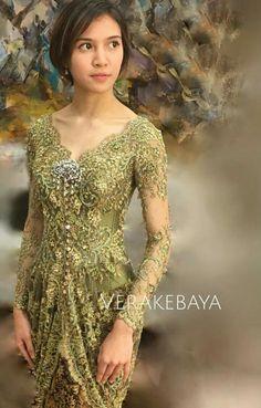 Baju kebaya..simply gorgeous! Vera Kebaya, Kebaya Lace, Kebaya Hijab, Kebaya Brokat, Kebaya Dress, Batik Kebaya, Dress Pesta, Kebaya Muslim, Batik Dress