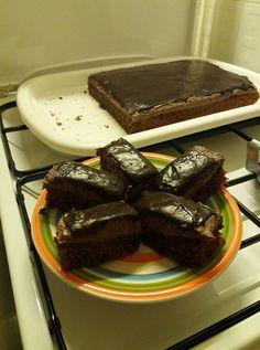 A legfinomabb süti, ami mindenkit elbűvöl. Ha valami édes csodával lepnéd meg a családot, próbáld ki ezt a csodás finomságot. Hozzávalók Tészta: 15 dkg vaj, 1 sütőpor, 5 dkg liszt, 10 dkg darált dió, 15 dkg porcukor, 5 tojás, 20 … Egy kattintás ide a folytatáshoz.... →