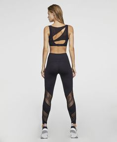 6da08c730d61c Paarse sporttop - 4 Cute Workout Outfits, Womens Workout Outfits, Workout  Attire, Workout