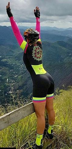 As a beginner mountain cyclist, it is quite natural for you to get a bit overloaded with all the mtb devices that you see in a bike shop or shop. There are numerous types of mountain bike accessori… Cycling Wear, Cycling Girls, Cycling Outfit, Triathlon, Female Cyclist, Cycle Chic, Bicycle Girl, Biker Girl, Athletic Women