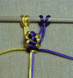 Berry Knot 4