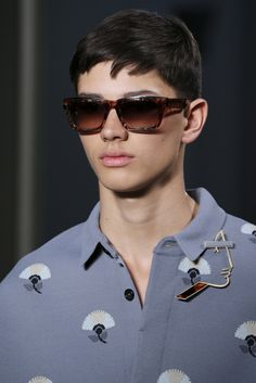 Paris Valentino Close-Up - Excellent Male Model Boy Fashion, Fashion Show, Mens Fashion, Fashion Design, High Fashion, Ss 15, Men's Collection, Dapper, Style Guides