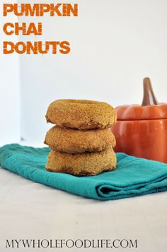 Get the flavors of Fall with these spicy Pumpkin Chai Donuts. Vegan and gluten free. A healthy breakfast idea that freezes well too.