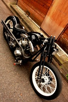 Vintage Harley-Davidson shovelhead bobber....Brought to you by House of Insurance in #EugeneOregon call for a free price comparison 541-345-4191.