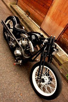 Vintage Harley-Davidson shovelhead bobber.