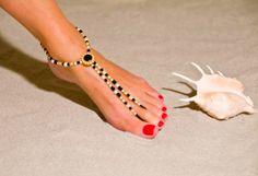 walking barefoot strengthens & stretches muscles