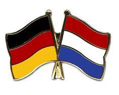 """Neue Fanartikel zur Fußball-WM 2014, wie """"Yantec Freundschaftspin Pin Deutschland Niederlande"""" jetzt hier erhältlich: http://fussball-fanartikel.einfach-kaufen.net/anstecknadeln-knoepfe-aufnaeher/yantec-freundschaftspin-pin-deutschland-niederlande/"""