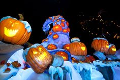haunted mansion holiday busts