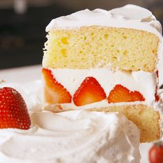 The ultimate strawberry shortcake. #food #easycake #cake #strawberry #dessert