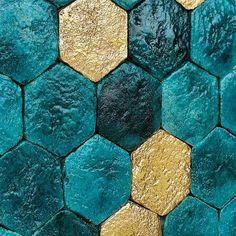 Get some Friday sparkle happening #madeinitaly #madeintuscany #terracotta #tiles #featurewalls #elitetiles #elitebathware
