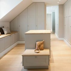 Dressing room roof pitch - make an attractive dressing room - . - Dressing Room Sloping Slope – Designing an Attractive Dressing Room – - Loft Storage, Bedroom Storage, Loft Room, Bedroom Loft, Loft Conversion Dressing Room, Interior Design Living Room, Living Room Decor, Dressing Room Design, Attic Bedrooms