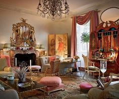 Before she moved to Charleston and became the grande dame of Southern Charm, Patricia Altschul lived in a fabulous Fifth Avenue maisonette once owned by design legend Sister Parish. Decorated by an… Traditional Interior, Traditional House, Classic Interior, Architectural Digest, Patricia Altschul, Mario Buatta, Deco Rose, English Manor Houses, English Country Style