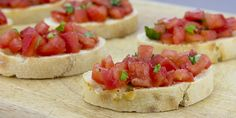 Bruschetta met tomaat, van oorsprong een voorgerecht maar ik gebruik het zelf vaak als bijgerecht bij pasta of bbq.