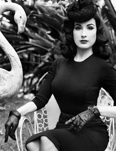 "American burlesque dancer, entertainer and model Dita Von Teese features in editorial for Flaunt magazine ""The Plutocracy Issue: Au Contraire"", issue Retro 50, Retro Mode, Divas, Vintage Stil, Vintage Mode, Vintage Woman, Vintage Pins, Moda Pin Up, Flaunt Magazine"