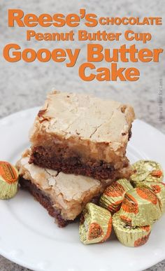 What's Cooking: Chocolate Peanut Butter Gooey Butter Cake - How to Nest for Less™.oh my goodness, this sounds DELICIOUS! Mini Desserts, Just Desserts, Delicious Desserts, Yummy Food, Fall Desserts, Sweet Recipes, Cake Recipes, Dessert Recipes, Icing Recipes