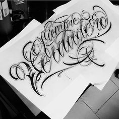 No hay descripción de la foto disponible. Tattoo Writing Fonts, Calligraphy Tattoo Fonts, Tattoo Fonts Cursive, Chicano Lettering, Graffiti Lettering Fonts, Tattoo Lettering Fonts, Tattoo Script, Graffiti Tattoo, Manos Tattoo