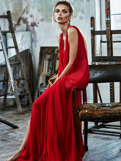 New Fashion Photography Editorial Studio Vogue November 2015 Ideas Red Fashion, Home Fashion, Fashion Models, Fashion Show, Vintage Fashion, Fashion Design, Fashion Cover, Fashion Pics, Fashion Quotes