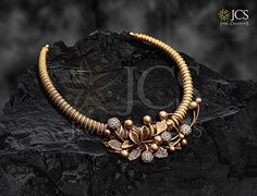 Gold Jewellery Shops in Chennai - Gold Jewellery in Chennai - JCS Jewellery Real Gold Jewelry, Gold Jewelry Simple, Gold Wedding Jewelry, Stylish Jewelry, Latest Gold Jewellery, Peacock Jewelry, Bridal Jewelry, Wedding Rings, Jewelry Design Earrings