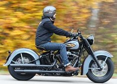 A Period-Incorrect Antique Born From A 2017 Harley Twin-Cam Model . at Cyril Huze Post – Custom Motorcycle News motorcycles chopper Harley Bobber, Harley Softail, Harley Davidson Chopper, Harley Davidson Motorcycles, Motorcycle Camping, Motorcycle News, Vintage Motorcycles, Custom Motorcycles, Custom Bobber