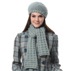 Scarf and Hat in Bernat Roving. Discover more Patterns by Bernat at LoveKnitting. The world's largest range of knitting supplies - we stock patterns, yarn, needles and books from all of your favorite brands.