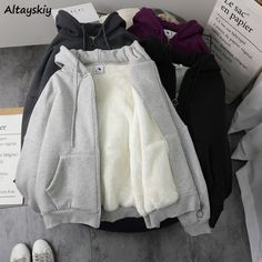 Cute Comfy Outfits, Edgy Outfits, Korean Outfits, Girl Outfits, Korean Girl Fashion, Muslim Fashion, Girls Fashion Clothes, Fashion Outfits, Monochrome Fashion