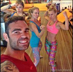Grazi Massafera, Angélica e Carolina Dieckmann treinam com o personal trainer Chico Salgado: 'Estou dando aula para três feinhas', brincou o profissional no Instagram, nesta terça-feira, 25 de novembro de 2014