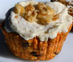 Raw Vegan Carrot Cupcake 1 cup grated carrot (or 1 cup leftover carrot pulp from juicing*) 1 cup raw walnuts 1 cup medjool dates, about 9 large dates, pits removed 1 cup dried apple slices 1 cup shredded coconut 1 tsp vanilla extract 1/2 tsp Chinese Five Spice seasoning 1/3 cup raisins 1/3 cup chopped walnuts