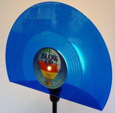 NEU! Tischlampe aus Schallplatte, Lampe, Vinyl  von VinylKunst Aurum - Schallplatten Upcycling der besonderen ART auf DaWanda.com