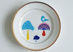 Il sagit dune plaque de beau gâteau vintage/petit déjeuner (taille environ 8 / 20 cm de diamètre) à laquelle jai ajouté mon illustration de