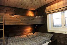 #Hyttesoverom Cottage Furniture, House Design, Cabin, Book, Interior, Home Decor, Decoration Home, Indoor, Room Decor