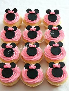 Baby shower ideas for girs food cupcake cakes minnie mouse 37 ideas - funny baby. Torta Minnie Mouse, Minnie Cupcakes, Bolo Minnie, Minnie Mouse Birthday Cakes, Minnie Mouse Theme, Minnie Mouse Baby Shower, Mickey Birthday, Mickey Party, Mini Mouse Cupcakes