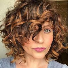 Curly Hair Styles, Curly Hair With Bangs, Colored Curly Hair, Haircuts For Curly Hair, Curly Hair Cuts, Hairstyles With Bangs, Short Hair Cuts, Bob Haircuts, 90s Hairstyles