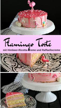 Sind Flamingos die neuen Einhörner? Sie sind auf jeden Fall gerade im Trend und ich habe hier einen pinke Flamingotorte gezaubert. Der Boden ist ein Wiener Boden Vanille und gefüllt mit einer Himbeer-Ricotta-Creme sowie Raffaellocreme. Eingestrichen ist er mit Milchmädchencreme und dekoriert mit einem pinken Drip sowie Flamingo Streudeko und einem Flamingo aus Fondant. Die Motivtorte als Drip Cake. Das genaue Rezept findet Ihr auf meinem Blog.