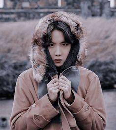 Jhope hobi aesthetic 2019 winter package 2020 boyfriend look material handsome hot photoshoot pic Jung Hoseok, Just Dance, Foto Bts, Bts Photo, K Pop, Jhope, Taehyung, Bts Gifs, Hip Hop