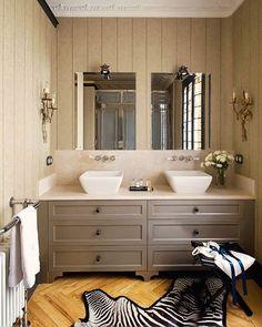 Grey + honey bathroom.