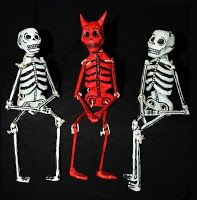 Iyari Cartonería: Cocinando calaveras y esqueletos Mexican Art, Skull Art, Chicano, Halloween Crafts, Folk Art, Harley Davidson, Creepy, Spiderman, Superhero