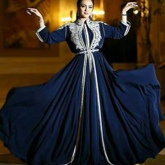 Show your best to all people even in the evening and then get 2019 evening gowns black chiffon gold sequins abayas arabic dubai muslim kaftan dresses a-line cry Morrocan Dress, Moroccan Caftan, Style Oriental, Oriental Fashion, Arabian Prom Dress, Muslim Evening Dresses, Arabic Dress, Long Prom Gowns, Caftan Dress