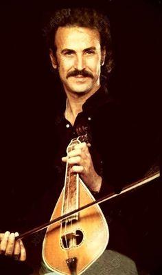 Nikos Xilouris and his lyra