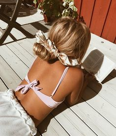 Untitled Endless summer Summer fashion Summer vibes Summer pictures Summer photos Summer outfits November 12 2019 at Hair Scarf Styles, Bun Styles, Ponytail Styles, Twist Headband, Scarf Hairstyles, Hairstyle Ideas, Easy Hairstyle, Hair Accessories For Women, Pink Accessories