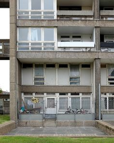 "modernistestates: "" The National Trust opens 130 Balfron Tower October 2014 If, like me, you've never stumbled across Poplar in East London by accident, here's a very good reason to jump aboard. Council Estate, East End London, Urban Architecture, Modern Loft, Sketchbook Ideas, National Trust, October 2014, Brutalist, Modern Buildings"