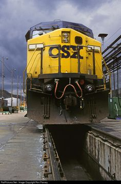 RailPictures.Net Photo: CSXT 1 CSX Transportation (CSXT) GE AC4400CW at Erwin, Tennessee by Ron Flanary Erwin Tennessee, Paper Train, Csx Transportation, Train Museum, Train Posters, Railroad Pictures, Norfolk Southern, Railroad Photography, Old Trains