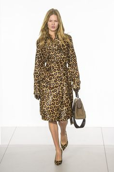 Michael Kors Fall-winter - Ready-to-Wear London Fashion Weeks, Milano Fashion Week, Michael Kors Fall, Handbags Michael Kors, Moda Animal Print, Animal Print Fashion, Vogue, Autumn Fashion 2018, Mode Editorials